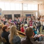 Tanz zur Musik: Unsere Schule ist bewegt!